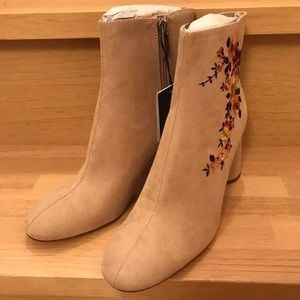 Zara Embroidered Highly Heel Ankle Boots Beige